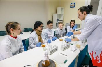 «Компанія Ензим» приймає пілотну програму навчань з біотехнологій для школярів