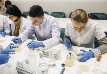 Лекції з біотехнологій для школярів – у вільному доступі на YouTube