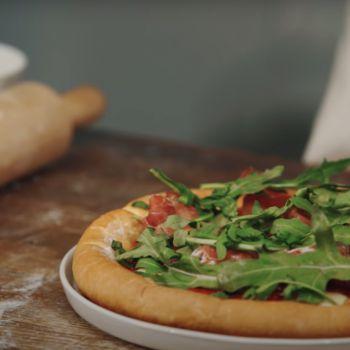 Піца з сирним бортиком